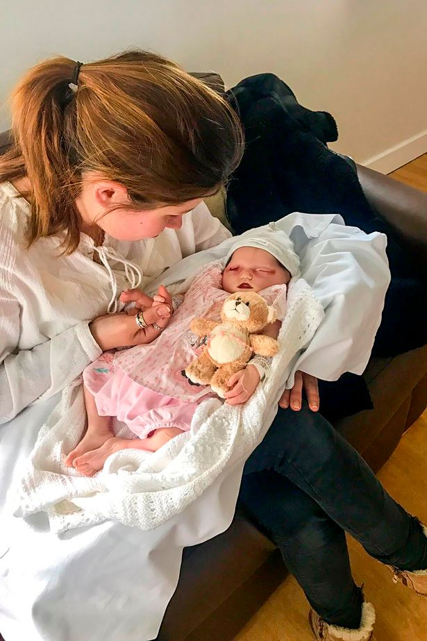 Beba trovana u stomaku 1